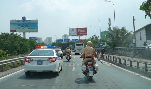 Bệnh viện cảm ơn cảnh sát giao thông phối hợp mở đường mang sự sống cho 2 bệnh nhân - Ảnh 3.