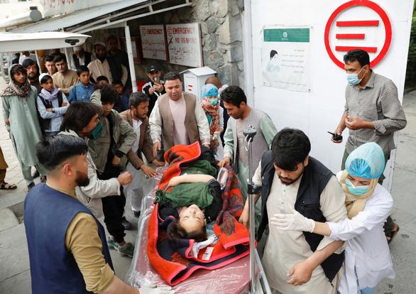 Nổ tại trường học Afghanistan, ít nhất 40 người chết - Ảnh 1.