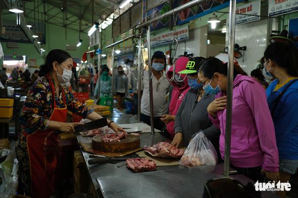 Xét nghiệm tiểu thương không ai nhiễm COVID-19, Đà Nẵng mở lại chợ Đống Đa - Ảnh 1.