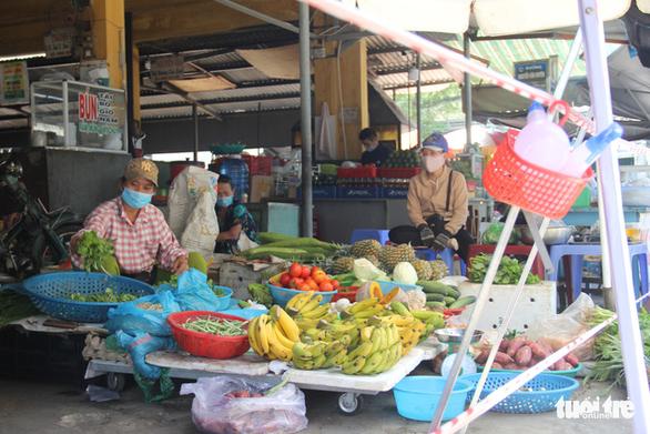 Trước giờ tem phiếu, chợ Đà Nẵng vẫn vắng vì năm ngoái ăn đồ tủ lạnh ớn rồi - Ảnh 2.