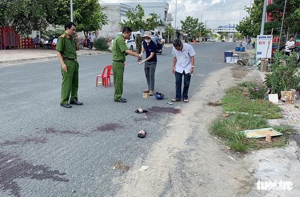 Bắt tạm giam 3 bị can trong vụ thảm chiến tại tiệc sinh nhật làm 1 người chết - Ảnh 2.