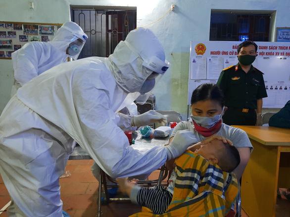Bắc Ninh đề nghị Bộ Y tế hỗ trợ lấy mẫu xét nghiệm toàn bộ dân huyện Thuận Thành - Ảnh 1.