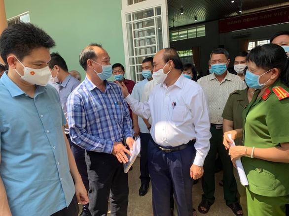 Chủ tịch nước Nguyễn Xuân Phúc: TP.HCM phát triển thành hình mẫu thì không thể để Củ Chi lạc hậu - Ảnh 3.