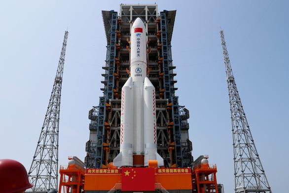Chuyên gia Mỹ, Âu dự báo sáng nay 9-5 tên lửa Trung Quốc sẽ rơi xuống - Ảnh 1.