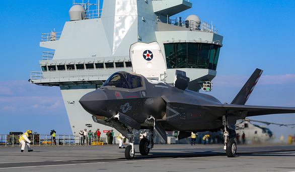 Tàu sân bay HMS Queen Elizabeth ghé Biển Đông, Anh xoay trục về Châu Á? - Ảnh 1.