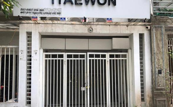 Phạt quán ăn cho khách hát karaoke 35 triệu đồng - Ảnh 1.