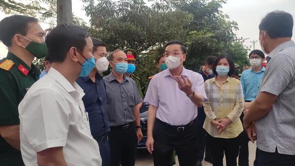 Chủ tịch Hà Nội: 'Tận dụng 48 giờ vàng khống chế lây nhiễm biến thể virus Ấn Độ' - Ảnh 1.