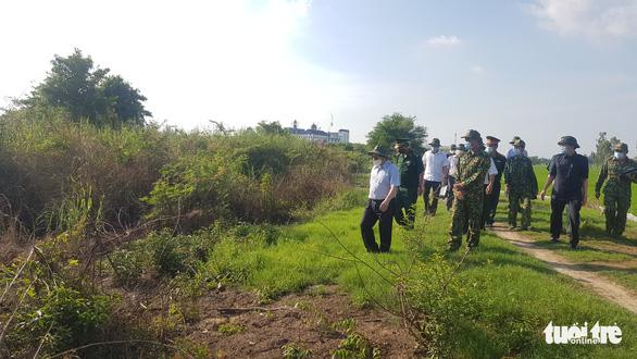 Thủ tướng Phạm Minh Chính thị sát vùng biên giới chỉ đạo phòng chống dịch - Ảnh 1.