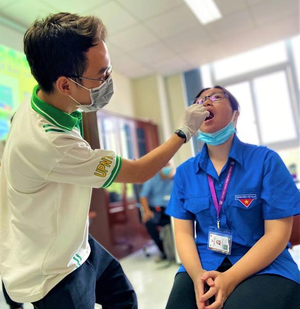 1.000 sinh viên y khoa TP.HCM tình nguyện tham gia chống dịch COVID-19 - Ảnh 1.