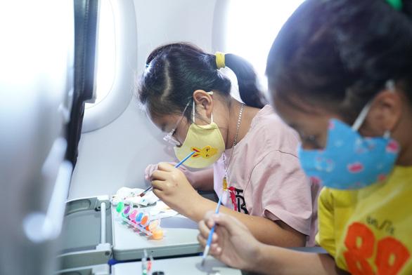 Vietjet lan toả niềm vui bằng hoạt động đặc biệt nhân ngày Quốc tế Thiếu nhi - Ảnh 2.