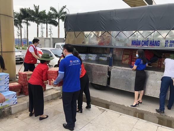 Quỹ Hành trình xanh và NCB ủng hộ gần 2 tỉ đồng hỗ trợ Bắc Giang và Bắc Ninh - Ảnh 3.