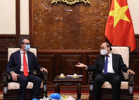 EU sẵn sàng giúp Việt Nam công nghệ sản xuất vắc xin COVID-19 - Ảnh 1.