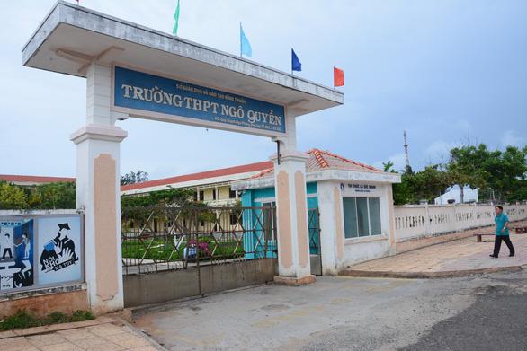 Đảo Phú Quý lần đầu có điểm thi tốt nghiệp THPT - Ảnh 1.
