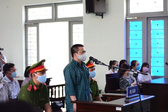 Hàng loạt cựu lãnh đạo Trung tâm Y tế Phan Thiết hầu tòa - Ảnh 2.