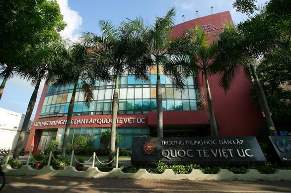 Thầy giáo trường Việt Úc ở quận 10 bị COVID-19, hơn 100 thầy trò của trường thành F1 - Ảnh 1.
