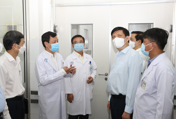 BV Chợ Rẫy chuyển khoa tai mũi họng và nội hô hấp ra ngoài - Ảnh 1.