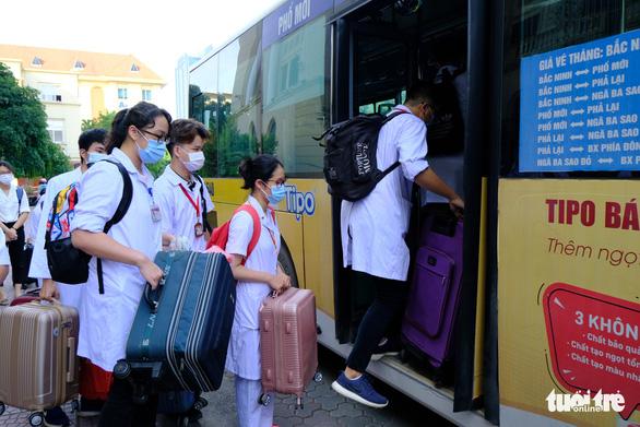 1.000 sinh viên y khoa TP.HCM tình nguyện tham gia chống dịch COVID-19 - Ảnh 6.