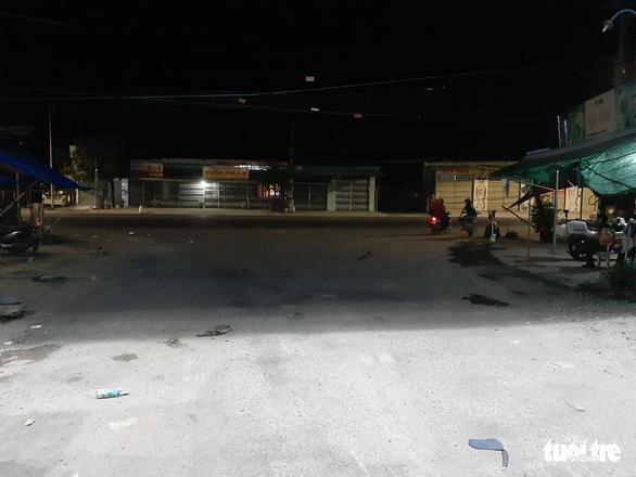 Hai nhóm thanh niên mâu thuẫn đánh nhau: 1 người chết, 1 người bị thương - Ảnh 1.