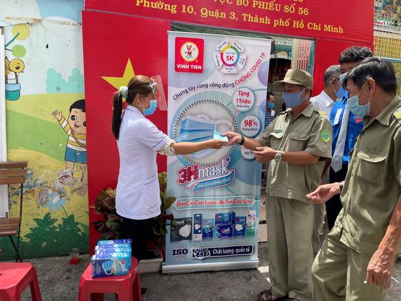Vĩnh Tiến hỗ trợ 1 triệu khẩu trang kháng khuẩn cao cấp chống dịch - Ảnh 2.