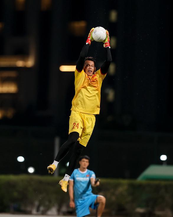 Ông Park hối thúc 3 thủ môn - Ảnh 1.