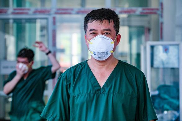 Bác sĩ Chợ Rẫy ở tâm dịch Bắc Giang: Chúng ta đang đi đúng hướng - Ảnh 1.