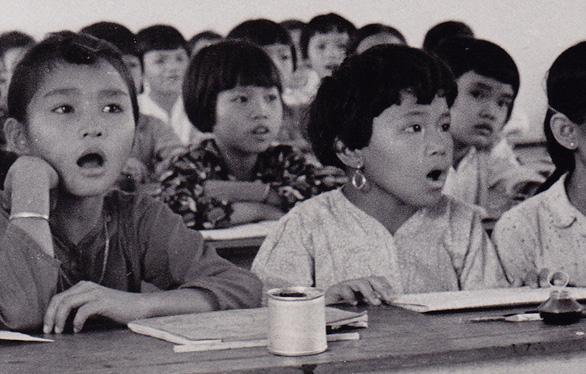 Sân trường kỷ niệm - Kỳ 7: Trường làng trong phố - Ảnh 2.