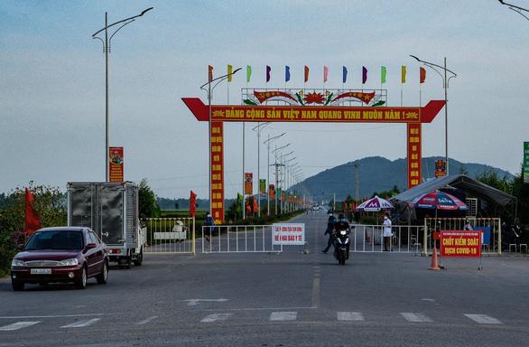 Số ca mắc giảm, Bắc Giang gỡ phong tỏa huyện Lạng Giang và chuyển sang giãn cách xã hội - Ảnh 1.