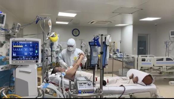 Một bệnh nhân COVID-19 giống trường hợp phi công người Anh đã khỏi, sắp xuất viện - Ảnh 1.