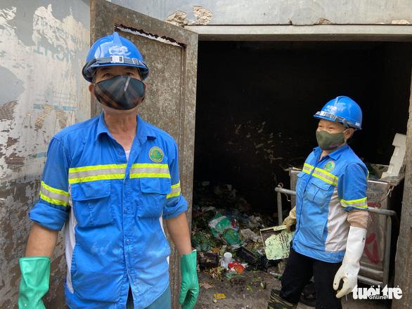 Bị nợ lương, công nhân môi trường cay đắng vay nợ, lượm ve chai sống qua ngày - Ảnh 2.