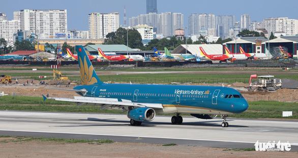 Vietnam Airlines được cấp phép thực hiện 12 chuyến bay chở người Việt từ Mỹ về nước - Ảnh 1.
