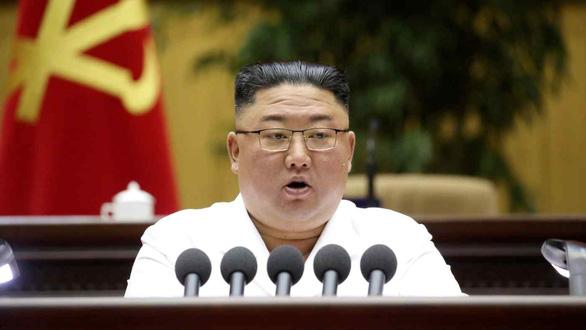 Ông Kim Jong Un sửa quy tắc đảng, đặt người dân lên trên quân đội - Ảnh 1.