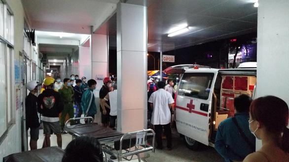 Thanh niên bị đánh chết, đối thủ còn kéo vào bệnh viện làm loạn - Ảnh 1.