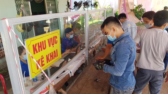 Huế hạ cấp phòng dịch, vẫn cách ly 21 ngày người từ Đà Nẵng, TP.HCM - Ảnh 1.