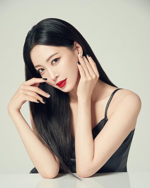 Showbiz Hàn Quốc chấn động vì tin đồn ngoại tình, dùng ma túy, sống trác táng - Ảnh 1.