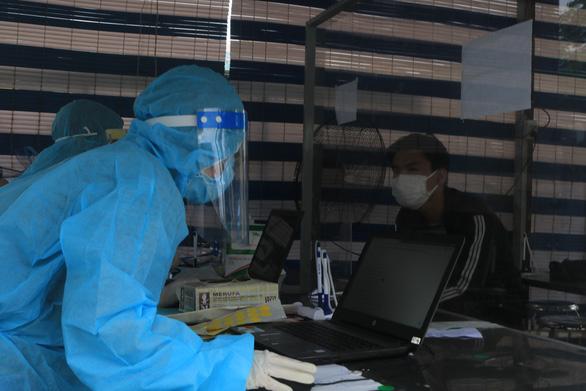 TP.HCM: Buộc khai báo y tế điện tử ở phòng khám tư - Ảnh 1.