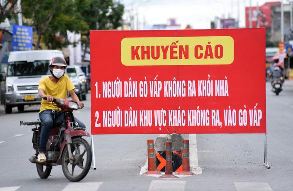 TP.HCM: 7 ổ dịch rải rác các quận huyện, sẽ còn phát hiện ca mới trong 10 ngày tới - Ảnh 2.