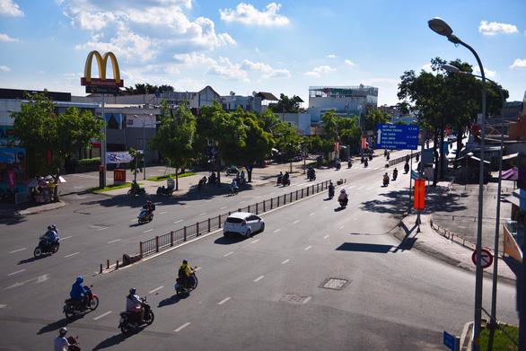 Sài Gòn những ngày giãn cách - Ảnh 1.