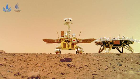 Trung Quốc công bố ảnh robot trên sao Hỏa sau tin đồn vỡ nát - Ảnh 1.