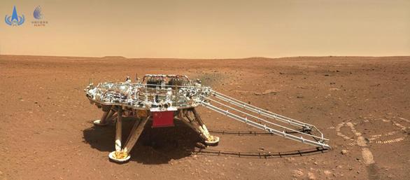 Trung Quốc công bố ảnh robot trên sao Hỏa sau tin đồn vỡ nát - Ảnh 2.