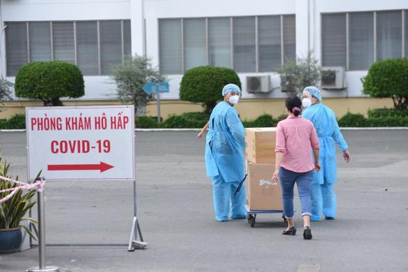 Phát hiện 22 nhân viên Bệnh viện Bệnh nhiệt đới TP.HCM mắc COVID-19 - Ảnh 2.