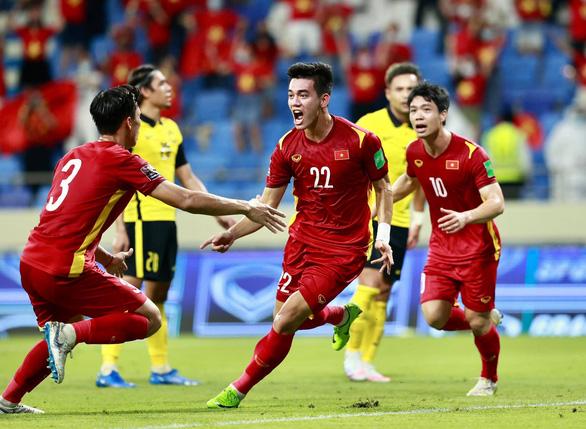 Thủ tướng Phạm Minh Chính chúc mừng chiến thắng của đội tuyển Việt Nam trước Malaysia - Ảnh 1.