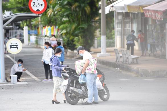 Phát hiện 22 nhân viên Bệnh viện Bệnh nhiệt đới TP.HCM mắc COVID-19 - Ảnh 3.