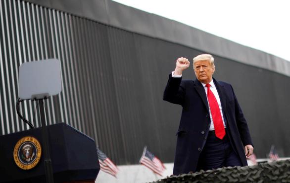 Ông Biden trả lại 2 tỉ USD bị lấy xây tường biên giới cho Bộ Quốc phòng - Ảnh 1.