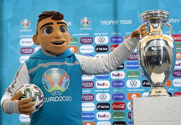 Cùng MyTV lăn theo trái bóng Uniforia của UEFA Euro 2020 - Ảnh 1.