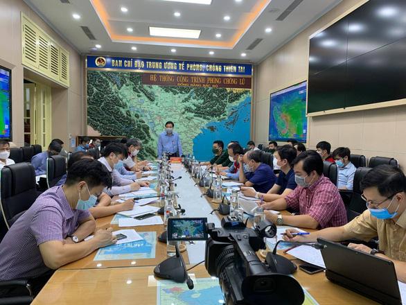 Bão  số 2 hướng vào các tỉnh nam đồng bằng Bắc Bộ và Thanh Hóa - Ảnh 2.