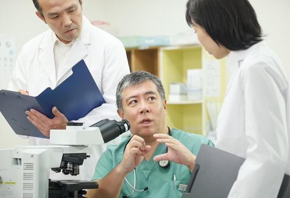 Quyển sách tiếp thêm nghị lực cho bệnh nhân Ung thư - Ảnh 1.
