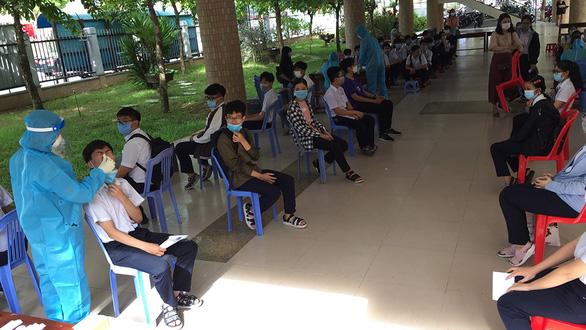 13-6, xet nghiem thi sinh thi lop 10 tai da nang 2 1(read-only)