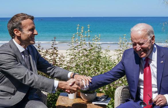 Tổng thống Pháp ca ngợi Mỹ đã trở lại dưới thời Biden - Ảnh 1.