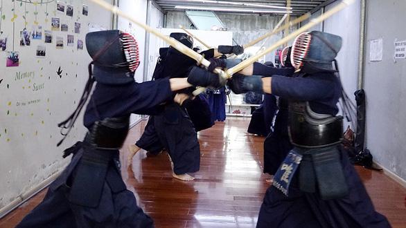 Những bóng hồng thích cảm giác mạnh - Kỳ 4: Kiều nữ và thanh kiếm - Ảnh 3.