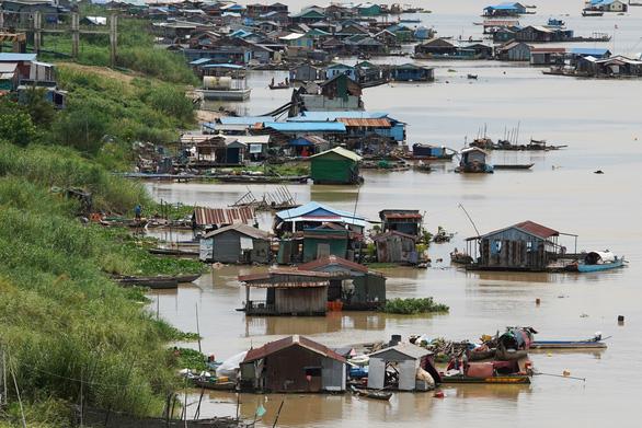 Người gốc Việt ở Campuchia bắt đầu di dời khỏi sông Tonle Sap - Ảnh 4.